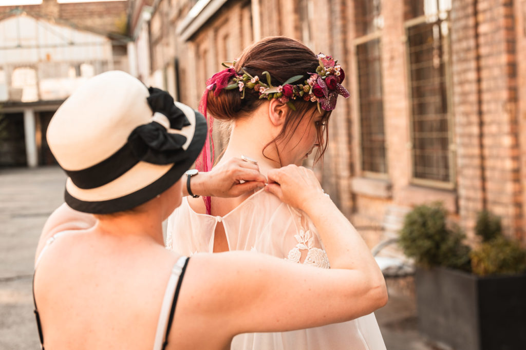 Styled Shoot Urban Sunset getting ready